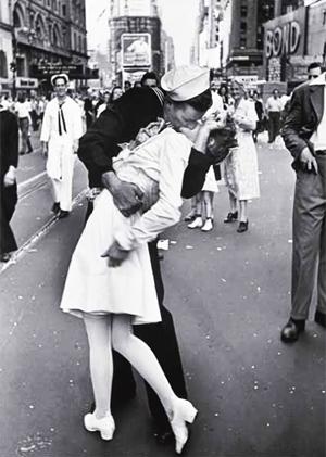 O Dia da Vitória sobre o Japão - na Times Square, Estado Unidos, em 14 de Agosto de 1945